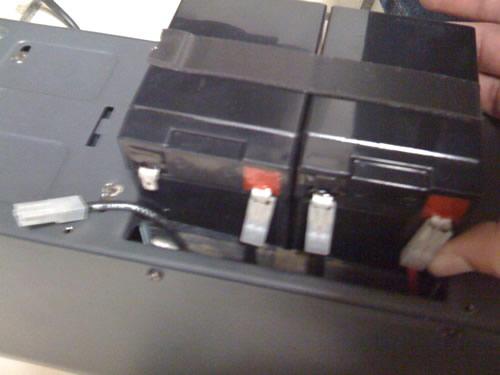Las baterias vienen unidas con cinta