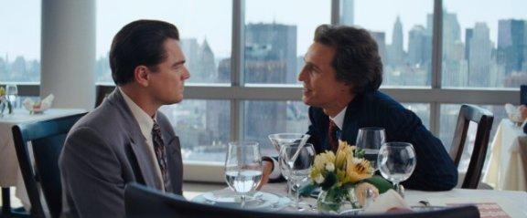 Leonardo DiCaprio (Jordan Belfort) y Matthew McConaughey (Mark Hanna)