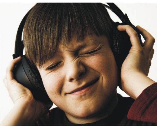 Como cuidar los oidos al usar audifonos