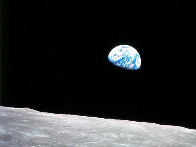 La primera misión que alunizó en nuestro satélite natural, fue el Apollo 11 en 1969