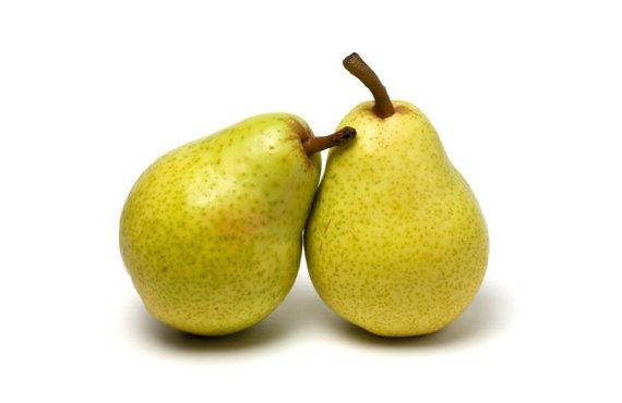 La pera se puede consumir con o sin cascara
