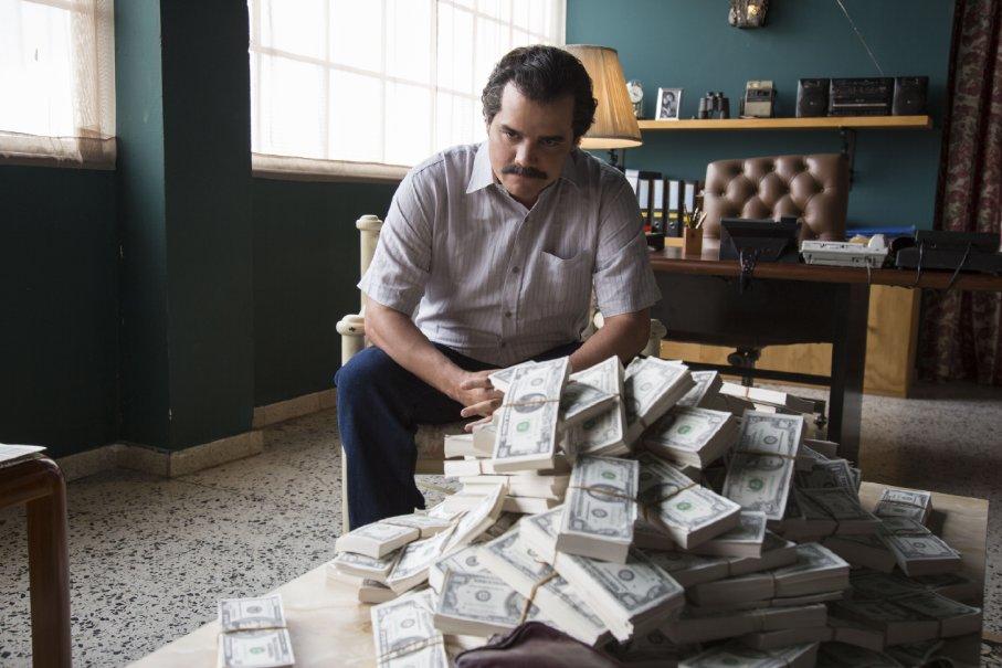 El dinero le ayudo a Escobar a corromper todos los ámbitos gubernamentales en la Colombia de los 80s