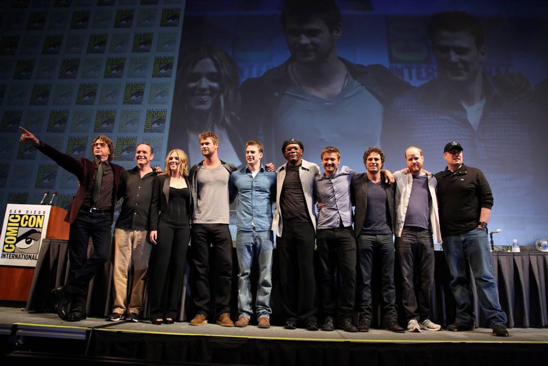 Los actores de Los Vengadores y el director