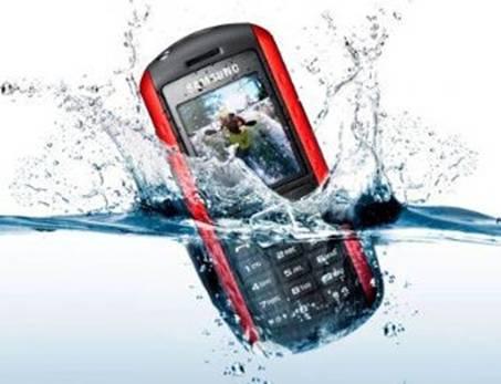 Trucos para salvar nuestro teléfono del agua