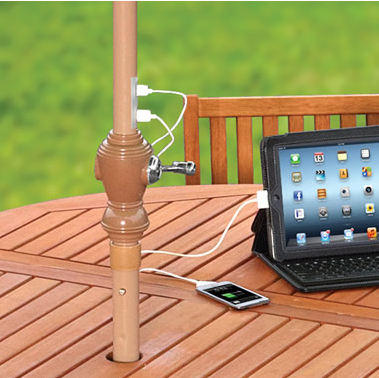 Solar Charging Patio Umbrella con 4 paneles solares