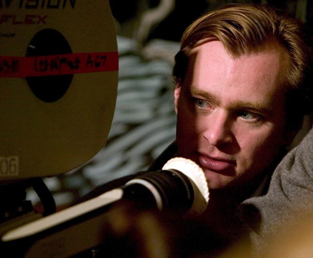 Christopher Nolan estará a cargo del filme Interstellar.