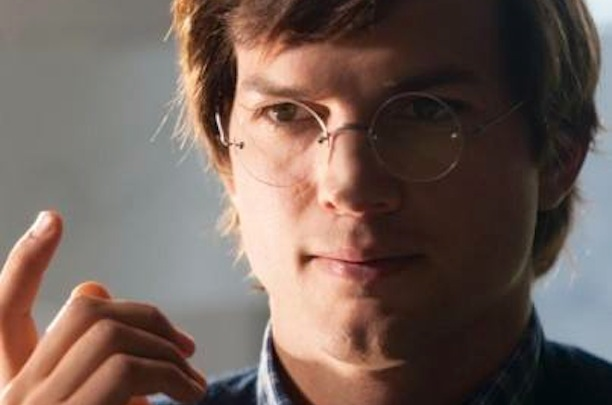 Ashton Kutcher en el papel de Steve Jobs