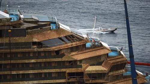 Estructura dañada del Costa Concordia