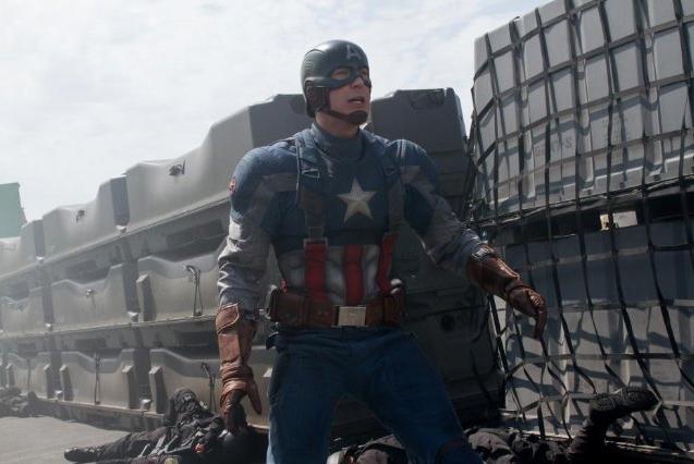 Capitán América con su clásico traje